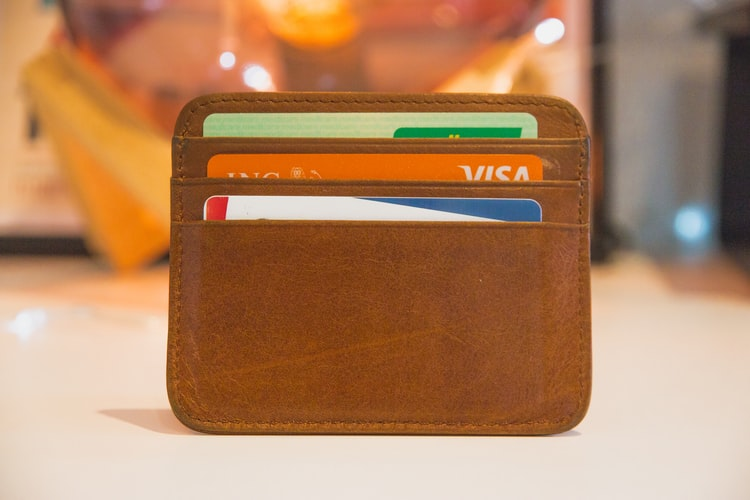 Pros and cons of cashback credit cards