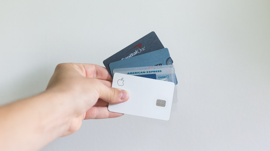 How does a cashback credit card work?